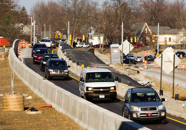 Traffic moves southbound along a re-routed section of U.S. 31 next to Interstate 65. Staff photo by Christopher Fryer