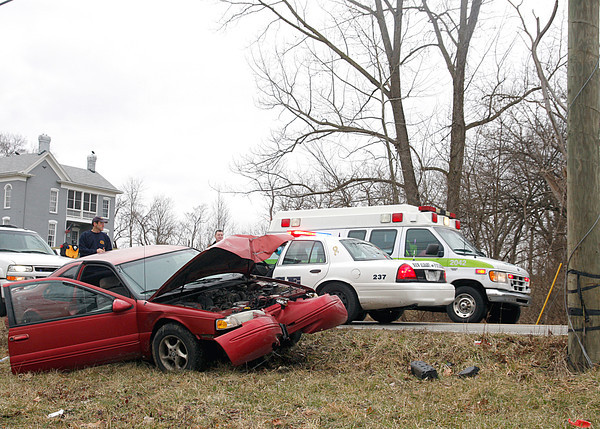 A wreck at the intersection of River Road and Jackson Street in New Albany sent a juvenile to the hospital on Monday. New Albany police and fire departments responded. Requests for additional details from the New Albany Police Department were not fulfilled by press time. Staff photo by Jerod Clapp