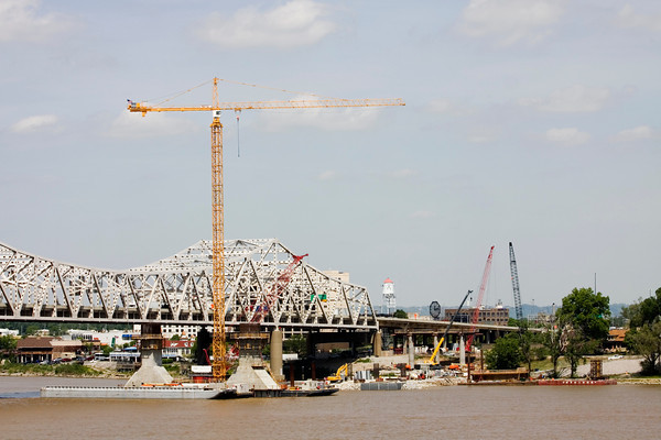 Crews work on the Indiana side of the downtown crossing of the Ohio River Bridges Project on Wednesday morning. Staff photo by Christopher Fryer