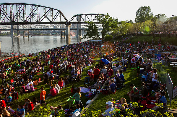 Attendees are pictured along the Jeffersonville riverfront during Thunder Over Louisville festivities Saturday. Staff photo by Christopher Fryer