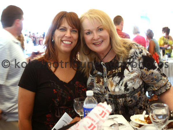 5-19-12<br /> Greatest Spectacle in Tasting.<br /> Shelby Donnelly and Gayle Mayda<br /> KT photo | Tim Bath