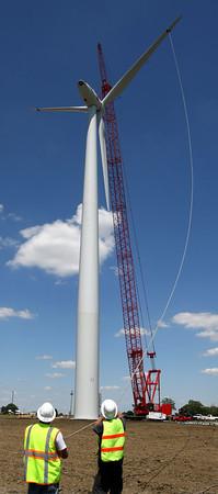 6-7-12<br /> Northwestern School Corporation's wind turbine being erected.<br /> KT photo   Tim Bath