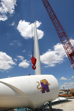 6-7-12<br /> Northwestern School Corporation's wind turbine being erected.<br /> KT photo | Tim Bath