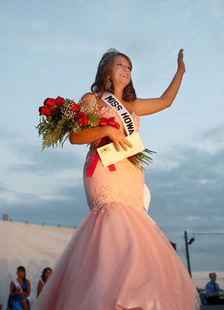 7-10-12<br /> 2012 Howard County Fair Queen <br /> Gabrielle Bunn takes her first walk as Miss Howard County 2012 at the fair on Tuesday night.<br /> KT photo | Kelly Lafferty