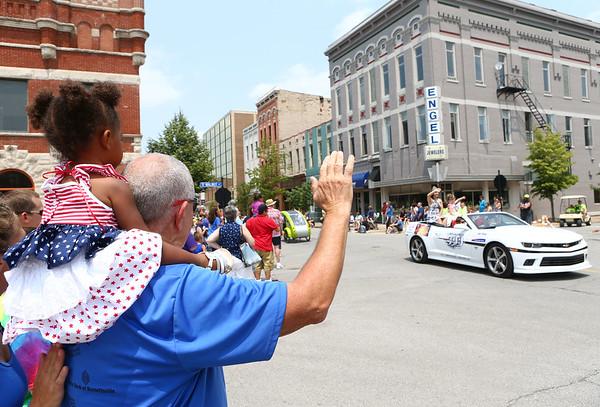Haynes Apperson parade