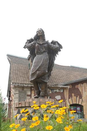 Indian Maiden statue