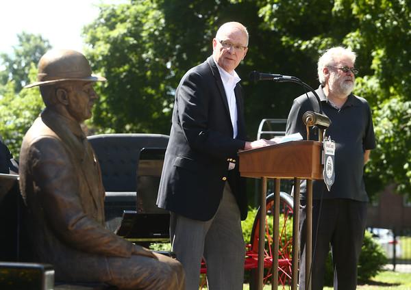 Elwood Haynes statue