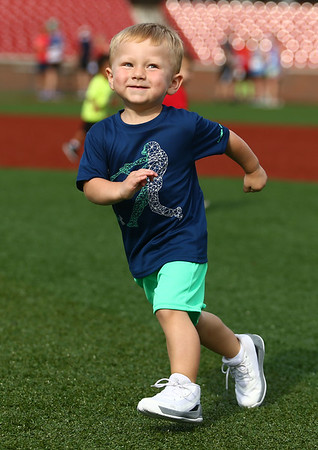 7-1-17<br /> Haynes Apperson Sports<br /> Hudson Spencer, 2, takes a detour and turns another direction before the finish line.<br /> Kelly Lafferty Gerber | Kokomo Tribune