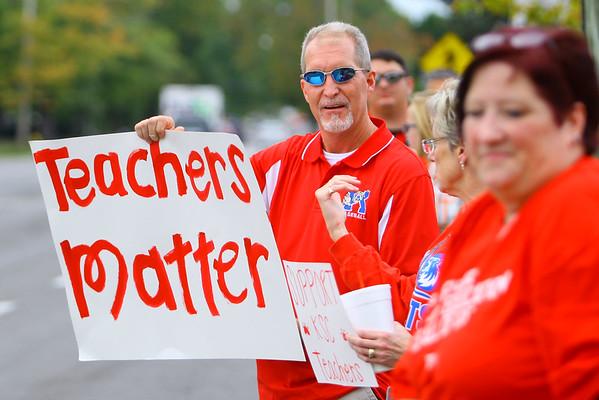 Kokomo Schools teachers picket in front the school administration building on south Washington during contract negotiations on Thursday Oct. 10, 2019. <br /> Tim Bath | Kokomo Tribune