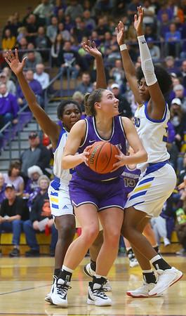 2-15-20<br /> Northwestern vs Homestead girls basketball regional championship<br /> Kendall Bostic looks to the basket.<br /> Kelly Lafferty Gerber | Kokomo Tribune