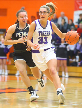 2-22-20<br /> Northwestern vs Penn girls basketball semistate<br /> NW's Madison Layden heads down the court.<br /> Kelly Lafferty Gerber | Kokomo Tribune