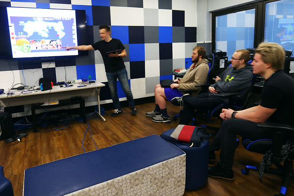 Tipton HS students in John Robertson's video game class research different aspects of game throughout the history of gaming and then get to play some of the old games on January 29, 2020. <br /> Tim Bath | Kokomo Tribune