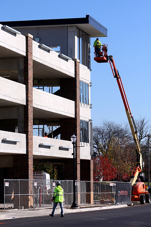 Some of the final details being completed on the new parking garage at Union and Superior Streets on Nov. 2, 2020.<br /> Tim Bath | Kokomo Tribune