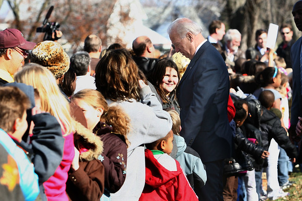 11-23-10<br /> President Barack Obama and Vice President Joe Biden stop at Sycamore Elementary to shake hands with students and teachers in Kokomo, Ind. on Tuesday Nov, 23, 2010. <br /> Kokomo Tribune photo by Tim Bath
