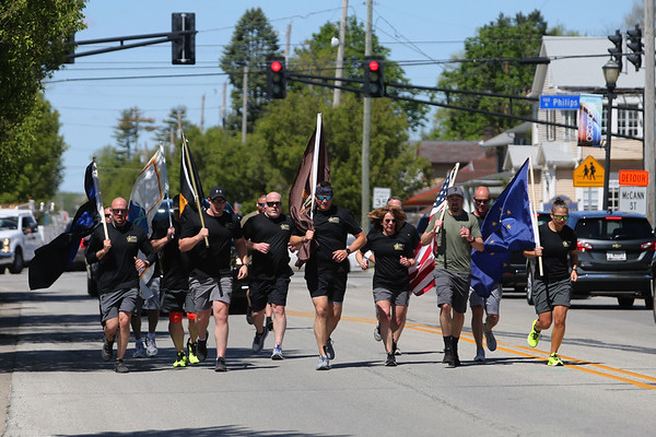 5-12-21 Howard County Sheriff staff, Kokomo Police,  Idiana State Police and Depart of Natural Resource officers participate in a memorial run from the sheriff department to Kokomo City Hall. Tim Bath | Kokomo Tribune