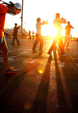 8-22-12<br /> Western HS marching band practices on Thursday morning.<br /> KT photo | Tim Bath