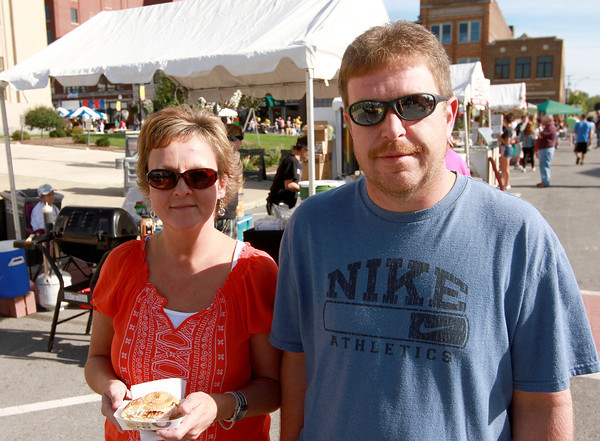 8-18-12<br /> Out and about taste of kokomo<br /> Lisa Millspaugh and Lance Willis<br /> KT Photo | Kelly Lafferty