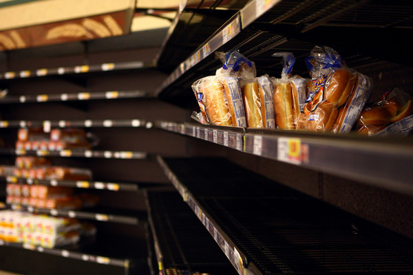 1-8-14<br /> Kroger low on bread<br /> The bread supply was limited at the Kroger on Washington St. on Wednesday, but they were expecting a shipment of bread to restock the shelves later during the day.<br /> KT photo | Kelly Lafferty