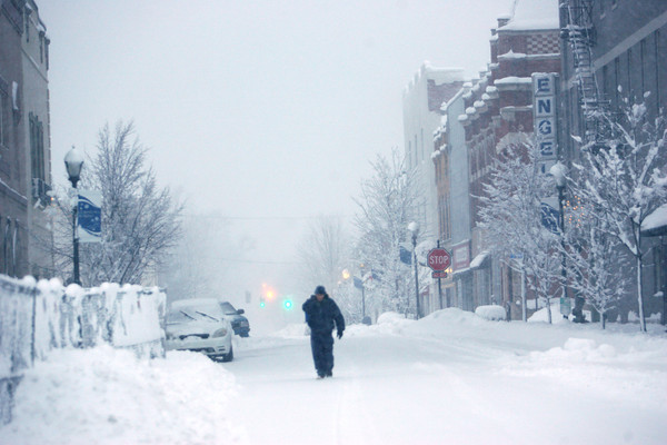1-5-14   --- Heavy snow blanketed Kokomo and surrounding areas. -- <br />   KT photo   Tim Bath