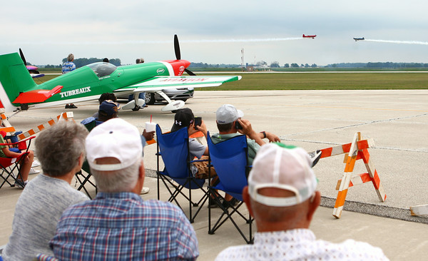 7-26-14<br /> Kokomo Air Show<br /> Two planes perform tricks for the crowd at the Kokomo Air Show on Saturday afternoon.<br /> Kelly Lafferty | Kokomo Tribune