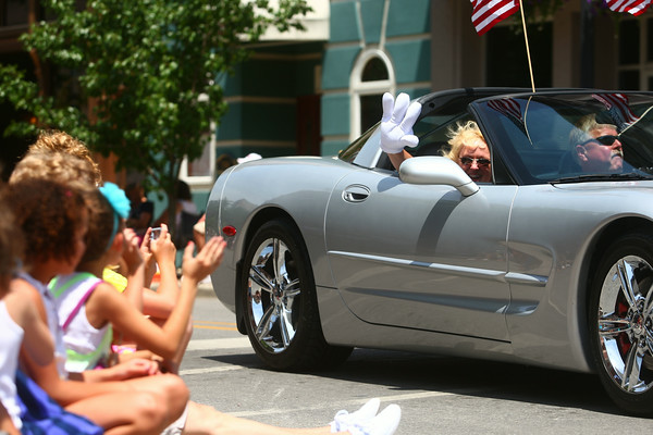 7-5-14<br /> Haynes Apperson Parade<br /> The Haynes Apperson parade cruises down Main Street on Saturday afternoon.<br /> Kelly Lafferty | Kokomo Tribune