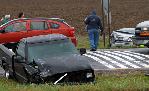 11-6-13<br /> Authorities respond to an accident on U.S. 31 North in Tipton County.<br /> KT photo | Kelly Lafferty