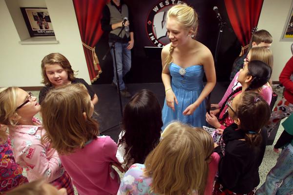 Elsa FRIDAY