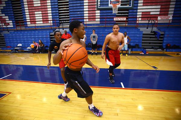 11-10-14<br /> First day of Kokomo High School basketball practice at Memorial Gym.<br /> Tim Bath | Kokomo Tribune