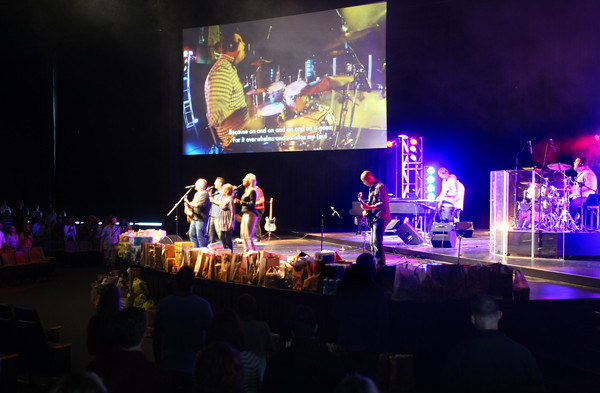 9-16-12 <br /> Oakbrook Community Church with the house band led by Jason Lee and Senior Pastor Mark Malin preaching.<br /> KT photo | Tim Bath