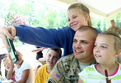 Soldiers Surprise Kids