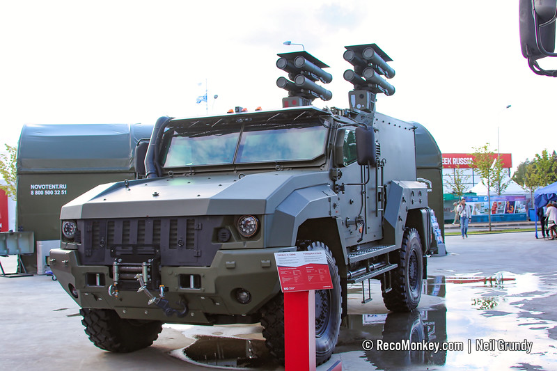 هذه الآلية الروسية قادرة على تدمير 8 دبابات أبرامز Typhoon-K%20Kamaz53949%20with%20Kornet%20004-L