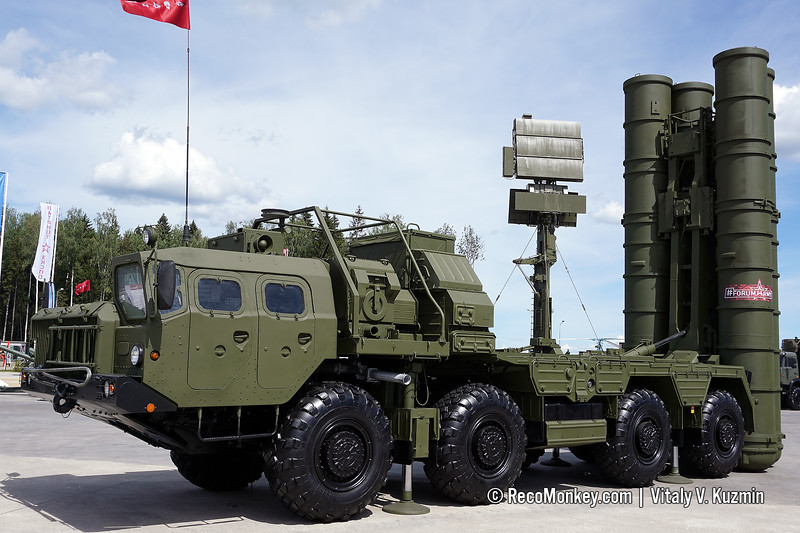 5P85SM2-01 TEL for S-400 air defence system