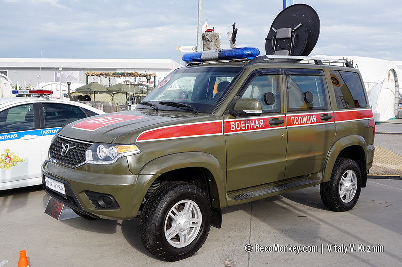 Esaul-394511-03 Military police version armored vehicle