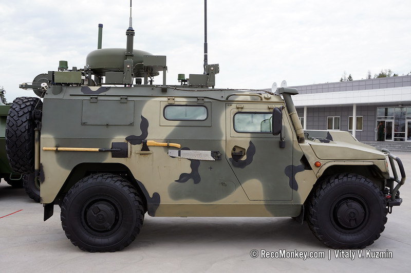 Upgraded P-230T command and signal vehicle
