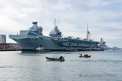 HMS Queen Elizabeth & HMS Diamond