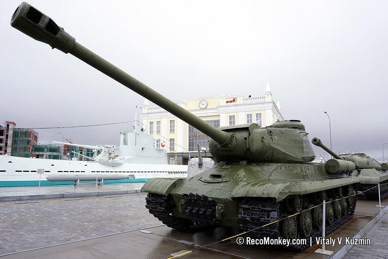 IS-2M heavy tank