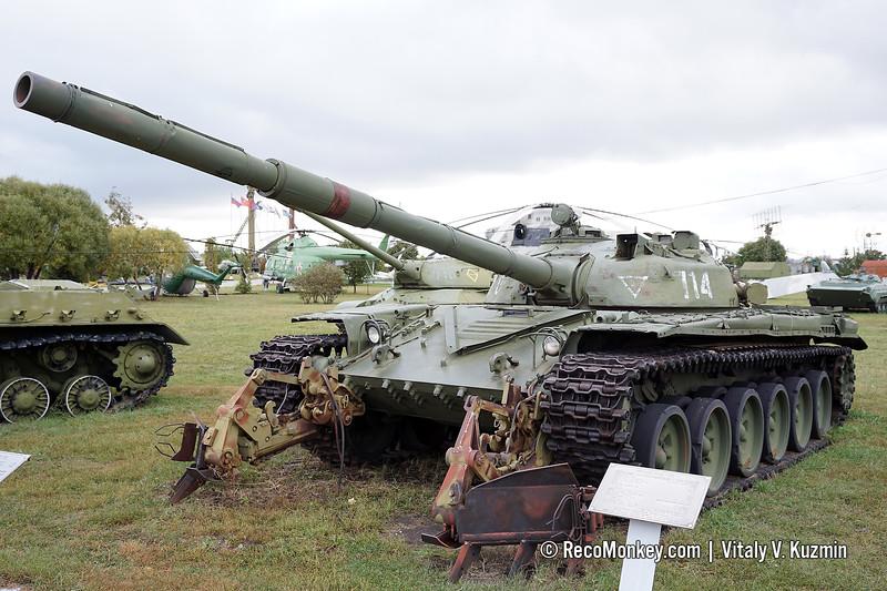 T-72 intermediate model with KMT-8 mine plow