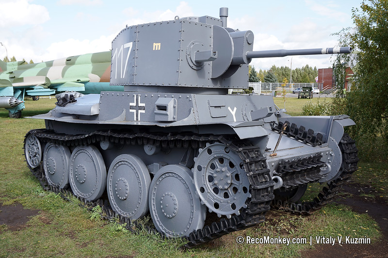 PzKpfw. 38(t) Hybrid with poor quality turret replica