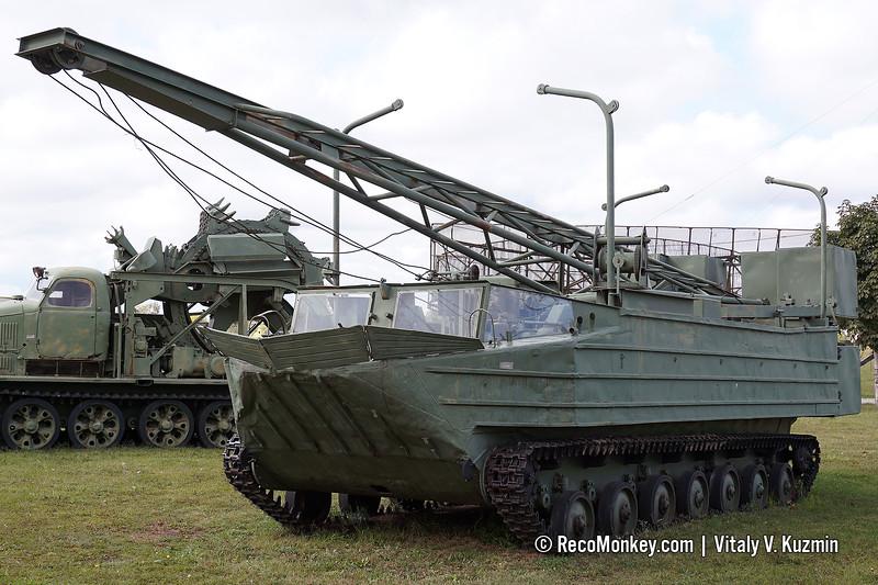 PSK-500 amphibious construction vehicle