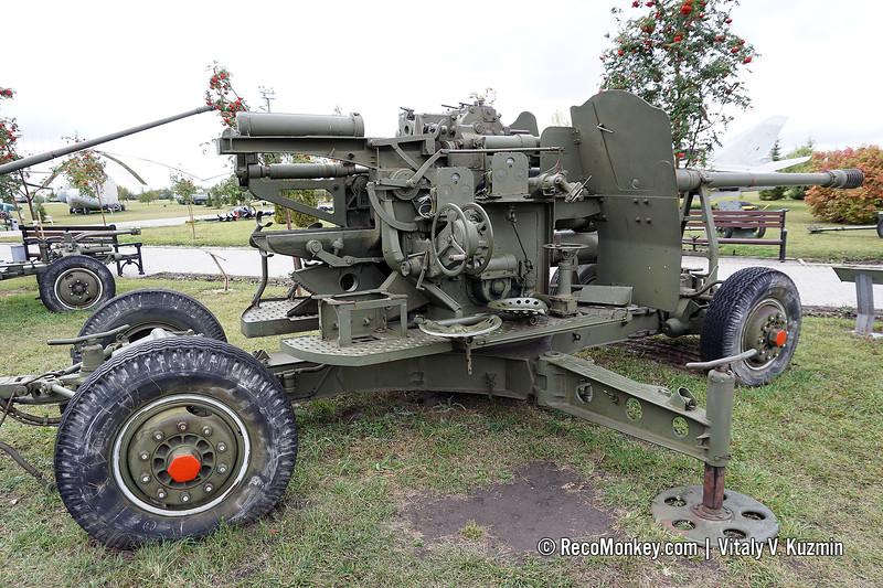 100mm KS-19 anti-aircraft gun