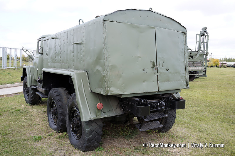 8T311M decontamination vehicle