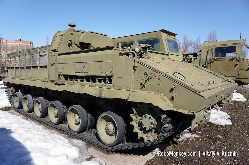 MT-SM transporter-tractor