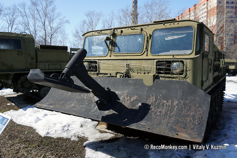 GET-S mod. TG-4 recovery vehicle