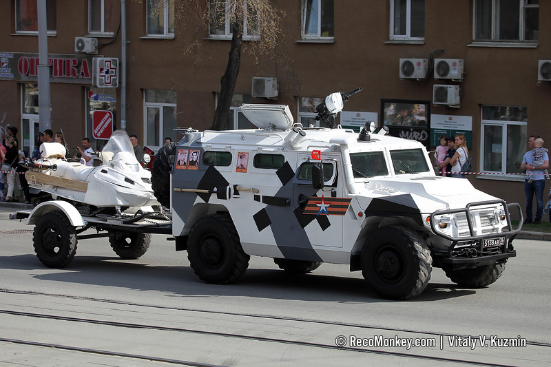 ASN 233115 Tigr-M SpN with AS-1 snowmobile