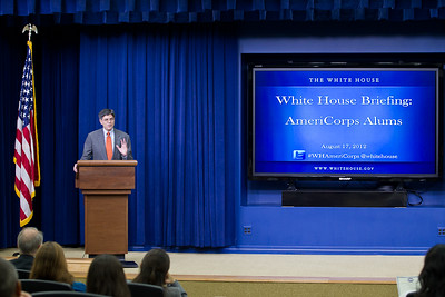 Jack Lew, Chief of Staff to the President, talks to Americorps Alums at the White Houses and commends them for their national service. Corporation for National and Community Service Photo.