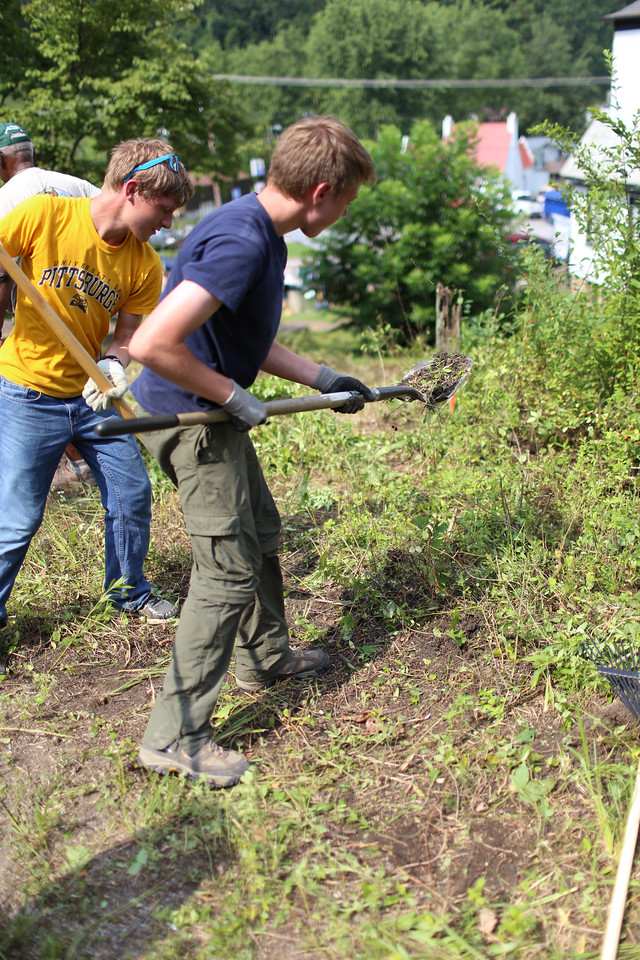 Boy Scouts clearing brush in West Virginia.Corporation for National and Community Service Photo.