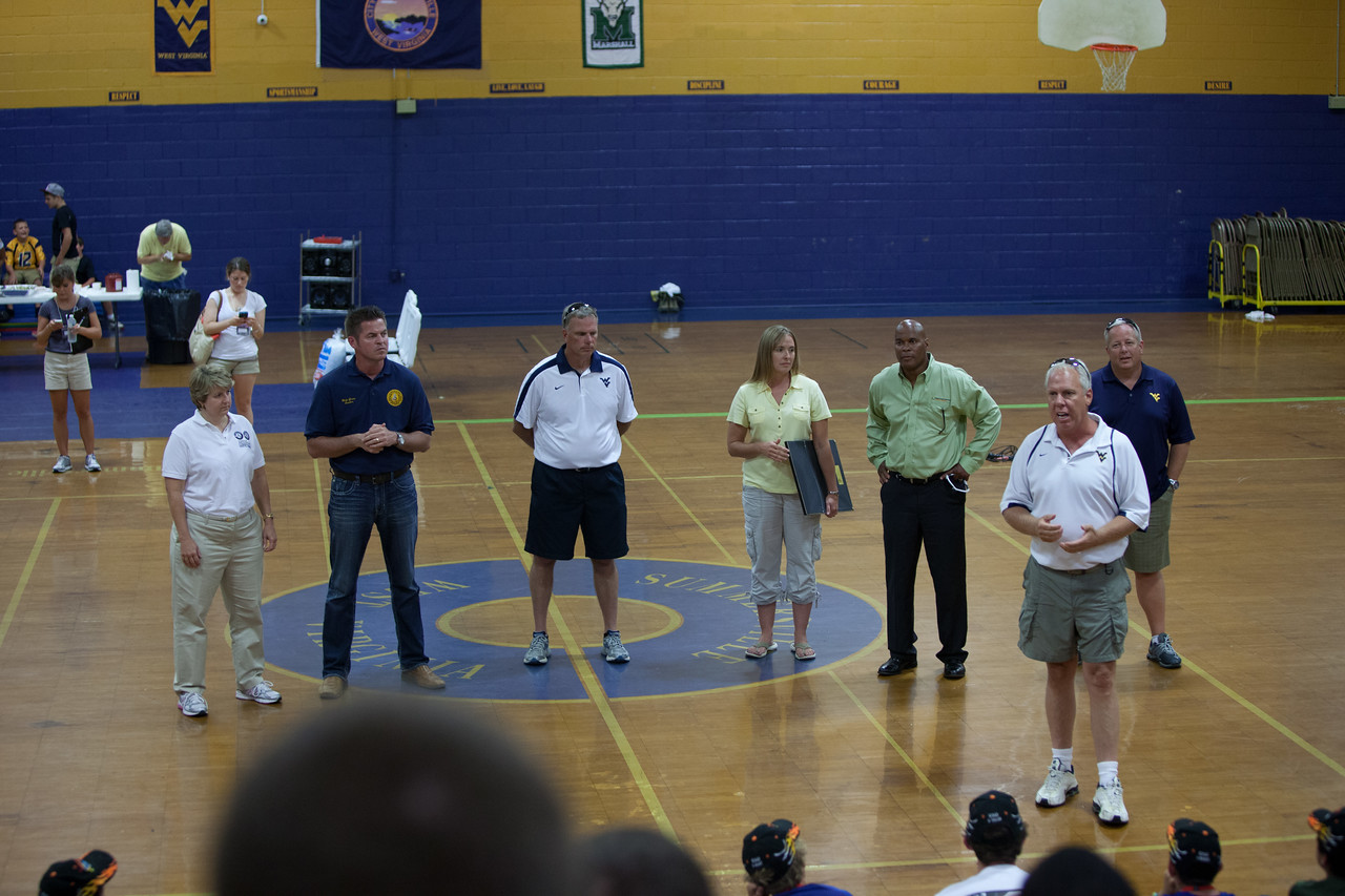 Service project at a gymnasium in Summersville, WV. Corporation for National and Community Service Photo.
