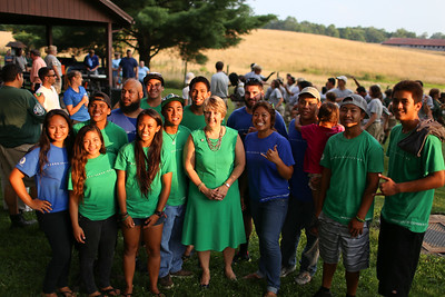 Hawaii AmeriCorps Conservation members with CNCS CEO, Wendy Spencer in West Virginia. Corporation for National and Community Service Photo.
