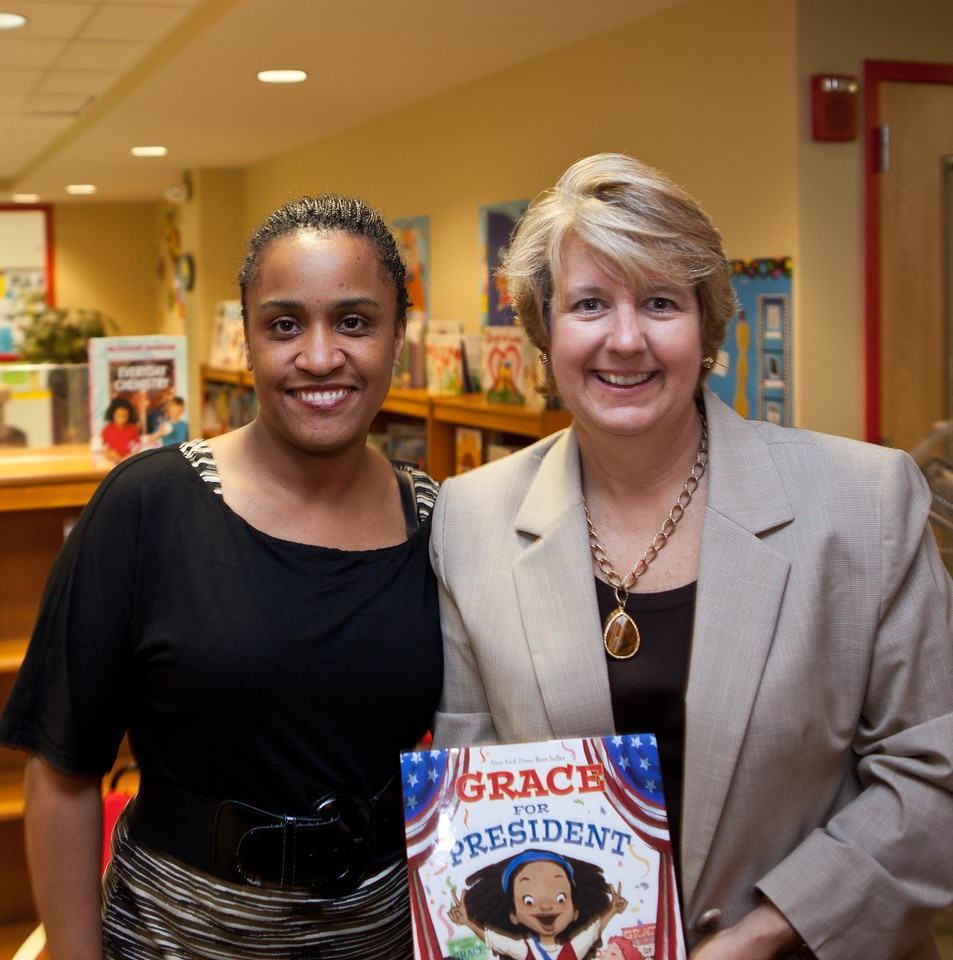Burrville Elementary Principal, Tui J. Roper, Corporation for National and Community Service, CEO Wendy Spencer at Burrville Elementary. Corporation for National and Community Service Photo.