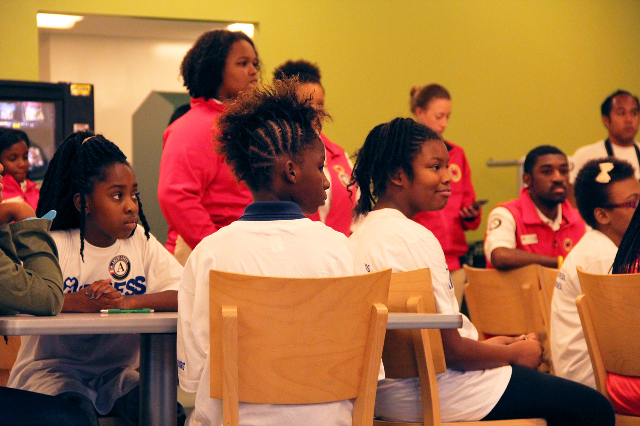 Students from Leckie Elementary School in Washington, D.C. serve at the Capital Area Food Bank on the September 11th National Day of Service and Remembrance. Corporation for National and Community Service Photo.